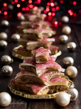 alberelli con salame e formaggio merry christmas food photography