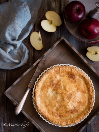 Apple pie - torta di mele americana around the world food photography