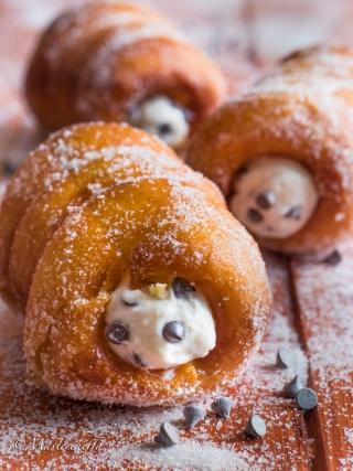 Macallè siciliani alla ricotta con gocce di cioccolato sicilia bedda food photography