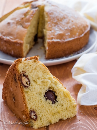 torta con ovetti di cioccolato easter food photography