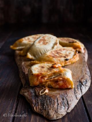 crescioni pomodoro e formaggio snacks and finger food