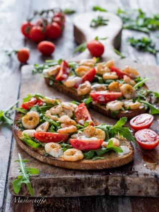 crostoni ai gamberi fish and sea fruits food photography