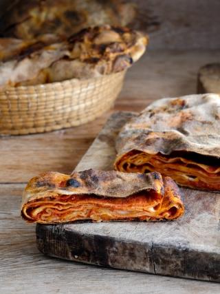 scacce ragusane al pomodoro sicilia bedda food photography