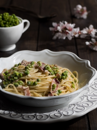 spaghetti cremosi piselli speck pasta & co. food photography